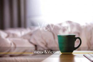 chambre tasse café verte couette Agence immobilière Victor & Victoire Real estate agency