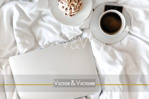 breakfast tasse de café chocolat meringue lit couette Victor & Victoire immobilier Real Estate agency