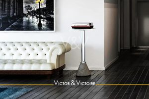 Nantes Parc Appartement T3 entrée salon canapé rétro tourne disques plancher noir Victor & Victoire-immobilier-Real estate agency
