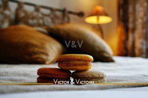 chambre lit macarons appartement Paris Nantes . Agence immobilière Victor & Victoire. Real estate agency.