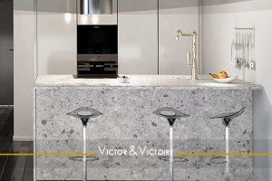 cuisine américaine murale blanc séjour vente appartement Paris Agence immobilière Victor & Victoire, Real estate agency