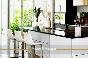 cuisine américaine nature vue appartement vente Paris Agence immobilière Victor & Victoire, Real estate agency