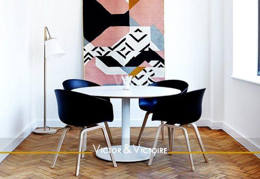 coin repas table quatre chaise studio vente Paris Nantes. Agence immobilière Victor & Victoire. Real estate agency